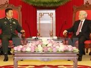 越共中央总书记阮富仲会见中国军队高级代表团