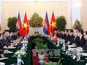 越南和柬埔寨领导人就两国建交50周年互致贺函