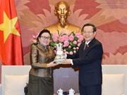 国会副主席冯国显会见老挝国会司法委员会代表团