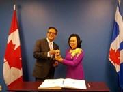 河内市与加拿大和美国各地方加强全面合作