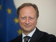 越南国防部副部长阮志咏上将会见欧盟驻越南代表团团长兼大使布鲁诺•安格莱特