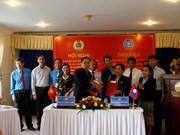 越南昆嵩省和老挝阿速坡省加强工会工作交流