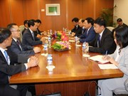 第50届东盟外长会议:越南政府副总理兼外长范平明分别与各国外长举行双边会晤