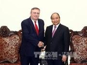 政府总理阮春福会见匈牙利驻越南大使尔利·萨巴
