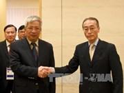 阮志咏会见日本防卫副大臣真布朗
