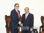 政府总理阮春福会见美国对冲基金经理菲利普·法尔科恩