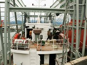 广宁省协助渔民造船 服务于远洋捕捞作业