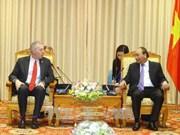 政府总理阮春福会见辞行拜会的美国驻越大使特德·奥修斯