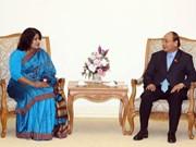 阮春福总理会见孟加拉国驻越大使萨米纳·纳兹