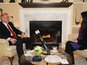 加拿大前驻越南大使高度评价越南在2017年APEC会议中所扮演的重要角色