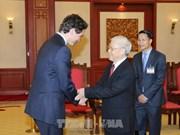越共中央总书记阮富仲与国会主席阮氏金银分别会见加拿大总理特鲁多