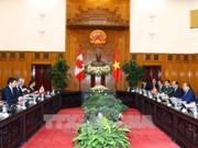 政府总理阮春福与加拿大总理特鲁多举行会谈