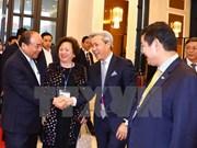 越南政府总理阮春福会见亚太地区部分投资者