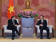 越南国会副主席冯国显会见美国埃克森美孚公司副总裁格林伍德