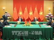 越南与中国签署和互相交换19项合作文件