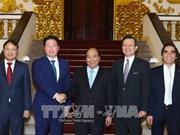 越南政府总理阮春福会见韩国鲜京集团董事长崔泰源