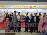 越南产品在孟加拉国际食品加工博览会上颇受消费者的欢迎