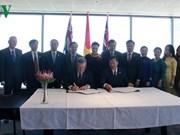 越南国会主席阮氏金银会见西澳州最高法院大法官韦恩·马丁