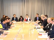 越南国会主席阮氏金银出席越南-澳大利亚企业对话会