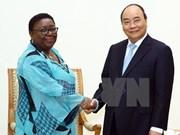 越南政府总理阮春福会见利比里亚外交部长