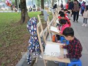 """近400名儿童参加""""儿童眼中的和平""""画画比赛"""
