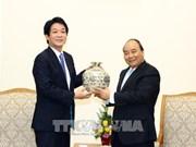 阮春福会见日本首相特别顾问其浦太郎