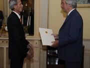 越南驻乌拉圭大使向乌拉圭总统递交国书