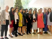 美国妇女代表团对越南《西贡解放报》报社进行工作访问