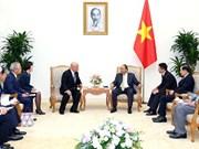 越南政府总理阮春福会见日本首相顾问