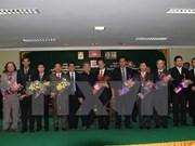 越柬建交50周年:柬埔寨政府向越南外交与新闻干部授予友好合作勋章