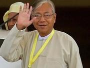 缅甸总统承诺建立民主体制