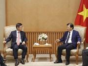 越南政府副总理郑廷勇会见韩国三星(越南)电子有限责任公司总经理