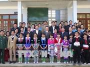 国会副主席冯国显春节前走访慰问莱州省贫困群众