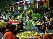 春节上庙烧香拜佛是越南传统习俗