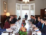 越南政府总理阮春福与新西兰总理杰辛达•阿德恩举行会谈