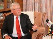 澳大利亚国防学院教授卡尔·塞耶:越澳战略伙伴关系继续走向未来