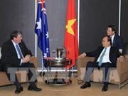 阮春福总理会见正对越南进行投资的澳大利亚企业领导代表