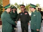老挝人民军总参谋长故地重游越南母校
