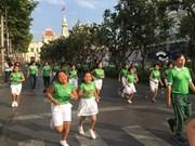 2018年奥林匹克日全民健身跑步活动在河内和胡志明市等地正式启动