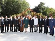 胡志明主席塑像——越南与古巴铁打般友情的象征