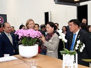 越南国会主席阮氏金银参观访问荷兰世界园艺中心