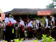 富寿省青山县芒族同胞致力于维护民族文化
