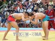 2018年第五届全国民族式摔跤比赛吸引100多名选手参加