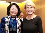 越南国家副主席邓氏玉盛会见澳大利亚外长和南威尔士州州督