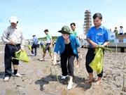 国会主席阮氏金银出席金瓯省植树仪式