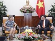 越南政府副总理兼外长范平明会见西班牙驻越大使