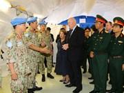 澳大利亚总督彼得·科斯格罗夫与越南一号二级野战医院干部人员进行了会面