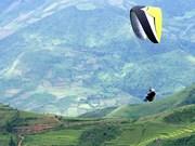 """""""在放水梯田上飞翔"""" 滑翔伞比赛在安沛省举行"""