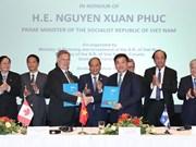 阮春福出席越南与加拿大企业座谈会