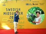 迎接瑞典仲夏节的友好交流会在河内举行